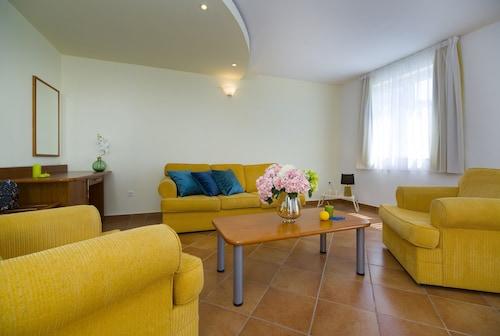 . Hotel Labineca