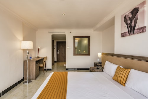 Golden Tulip Dar Es Salaam City Center Hotel, Ilala