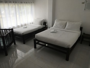 Cove Sands Beach Resort Dumaguete Room