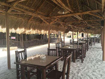 Cove Sands Beach Resort Dumaguete Restaurant