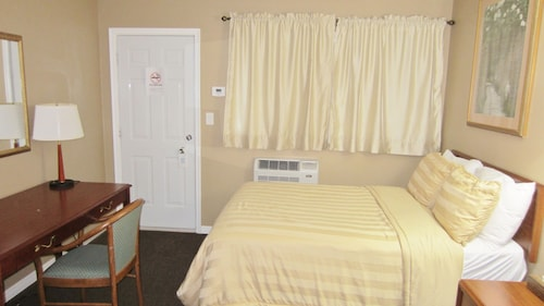 Village Inn & Suites, Greater Sudbury