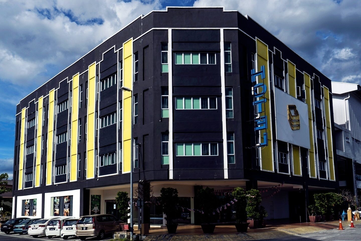 Golden Roof Hotel, Kinta