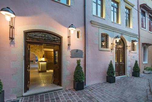 . Serenissima Boutique Hotel