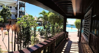 Blue Garden Resort Cebu Exterior