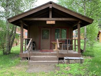 Standard Cabin, 1 King Bed (No Bathroom)