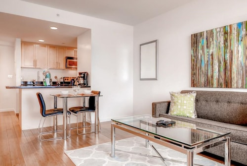 Global Luxury Suites at Kendall East, Middlesex