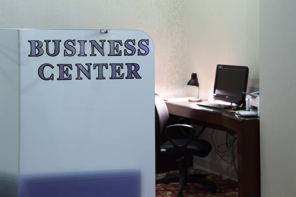 Business Center 9 of 58