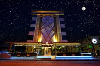 Hotel - Golden Deluxe Hotel