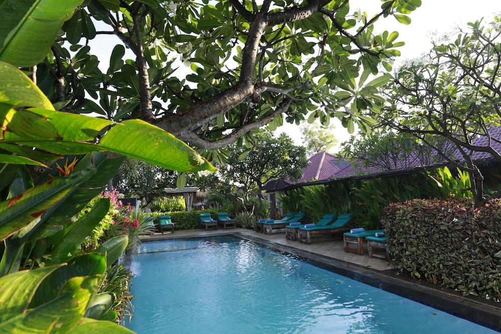 https://i.travelapi.com/hotels/11000000/10040000/10034900/10034855/220beaae_z.jpg