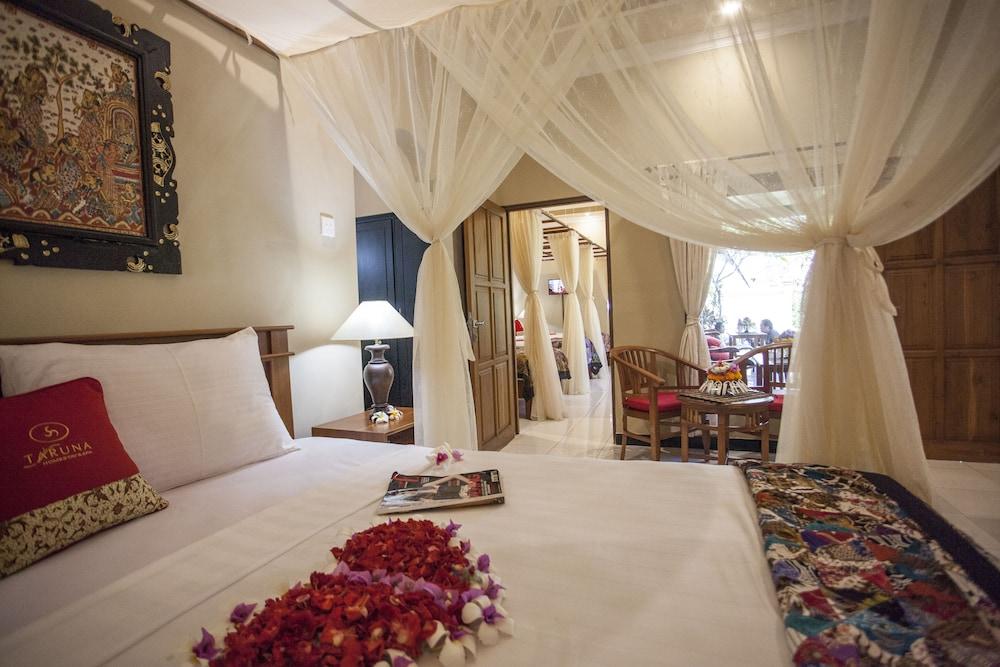 https://i.travelapi.com/hotels/11000000/10040000/10034900/10034855/2f8a7fc7_z.jpg