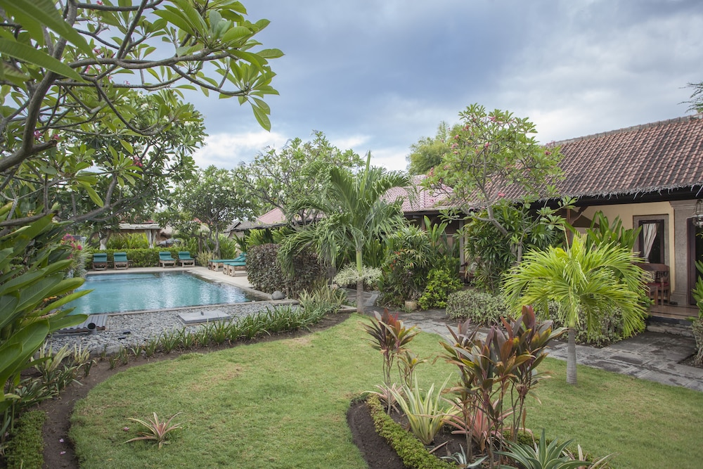 https://i.travelapi.com/hotels/11000000/10040000/10034900/10034855/a1214455_z.jpg