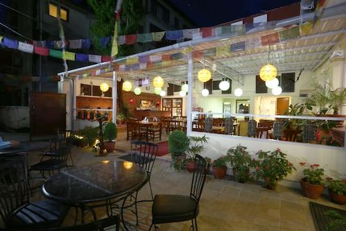 Katmandu - Aryatara Kathmandu Hotel - z Warszawy, 5 kwietnia 2021, 3 noce