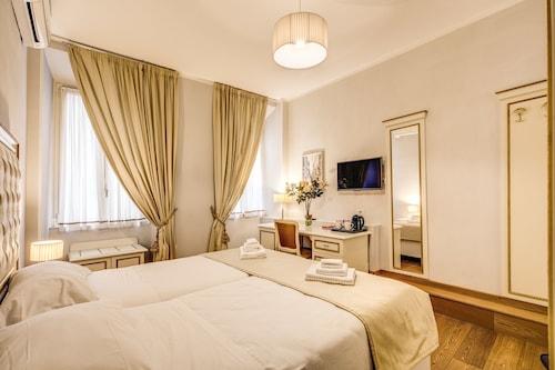 Gravina Suite Frattina, Roma