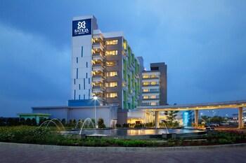 Hotel - Batiqa Hotel & Apartments Karawang