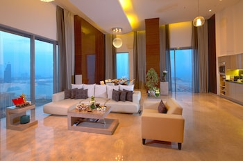 Presidential Penthouse, 2 Bedrooms, Partial Sea View