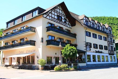 __{offers.Best_flights}__ Hotel Traube