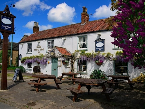 . The Castle Arms Inn