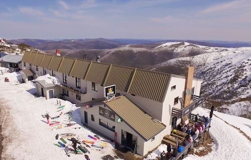 Snowbird Inn, Mount Hotham Alpine Resort