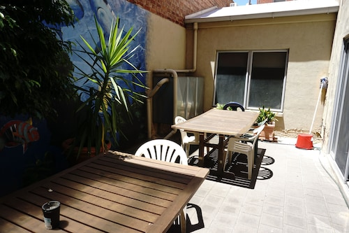 The Guesthouse - Hostel, Adelaide
