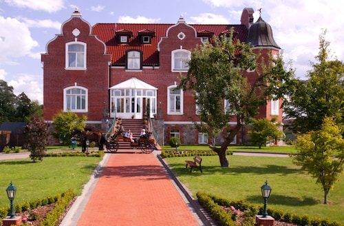 . Schloss Herrenstein