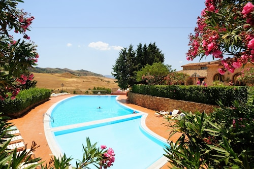 . Agriturismo Villa Dafne