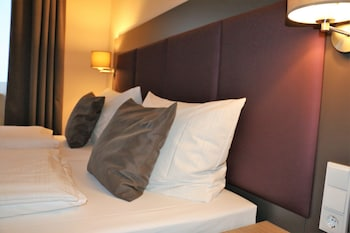 ホテル ズム ブルンネン