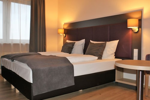 Steinbach am Taunus - Hotel zum Brunnen - z Poznania, 2 kwietnia 2021, 3 noce