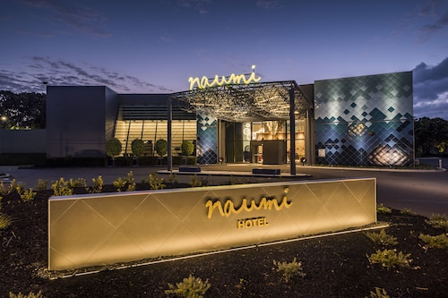 . Naumi Auckland Airport