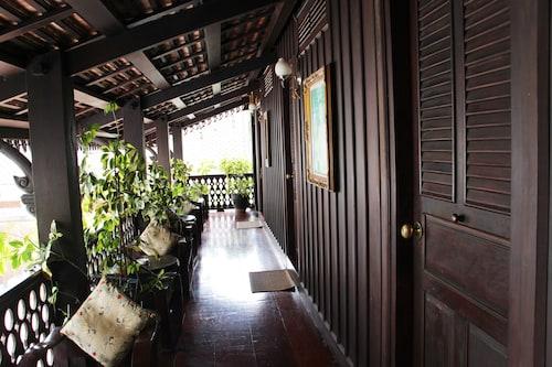 Villa Senesouk, Louangphrabang