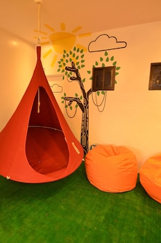 Junction Hostels Makati Childrens Play Area - Indoor
