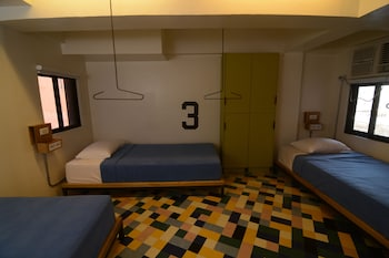 Junction Hostels Makati Guestroom