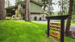 Misty Meadows Bed and Breakfast