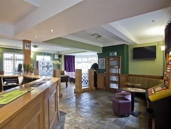 Hotel - Burton Stone Inn