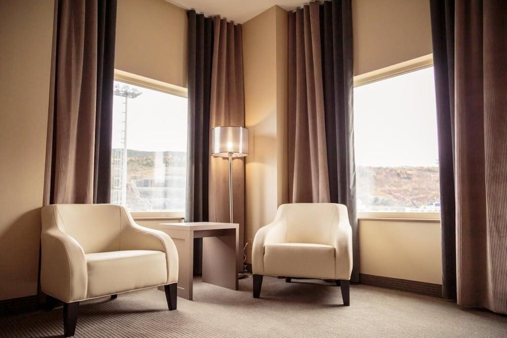 https://i.travelapi.com/hotels/11000000/10100000/10090100/10090079/0b034f44_z.jpg