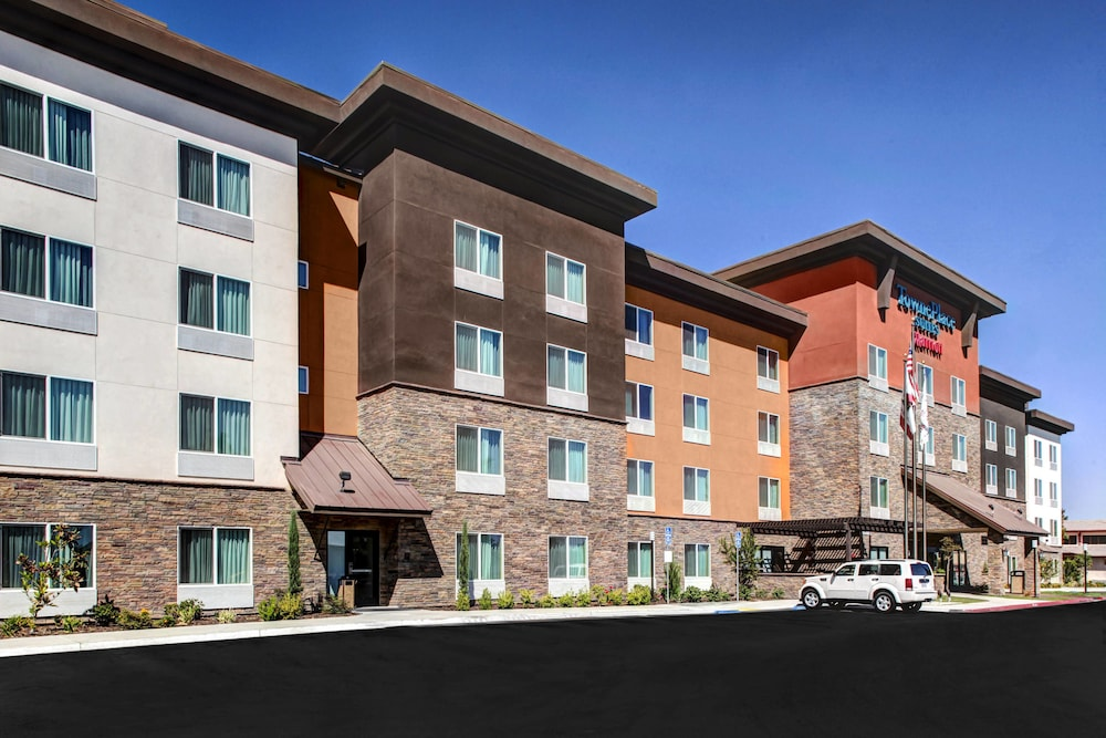 Photo of Towneplace Suites Bakersfield West in Bakersfield, California