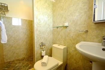 Olivia Resort Homes Bohol Bathroom