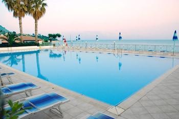 Villaggio Baia d'Ercole Resort