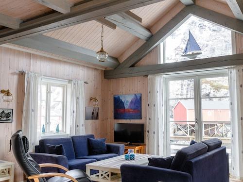 . Lofoten Cottages