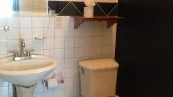 Posada Hidalgo Inn - Bathroom  - #0