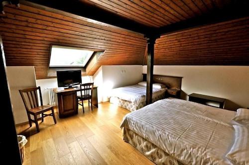 __{offers.Best_flights}__ Hôtel de Gruyères