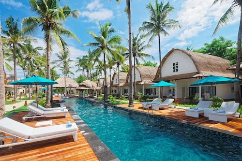 . Jambuluwuk Oceano Resort Gili Trawangan
