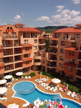 Aparthotel Efir
