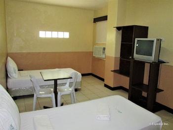 GV Hotel Cagayan de Oro Guestroom
