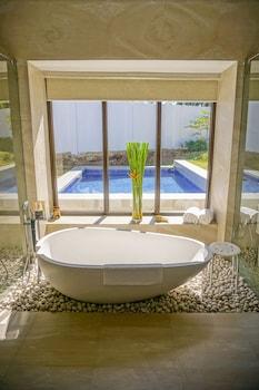Kandaya Resort Cebu Bathroom