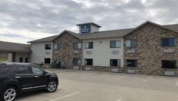 Cobblestone Inn & Suites - Denison | Oak Ridge