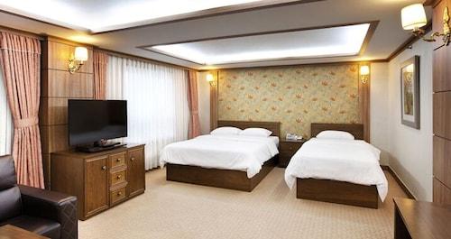 The Cheil Hotel Onyang, Asan