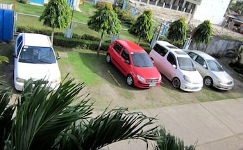 San's Inn Mactan Parking