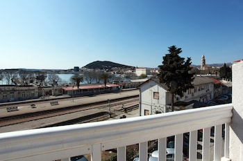 Comfort Studio, Balcony, Partial Sea View