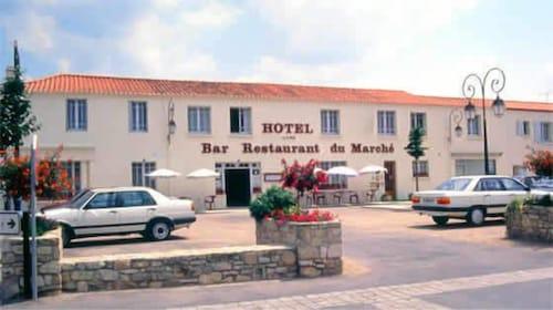 __{offers.Best_flights}__ Hôtel du Marché