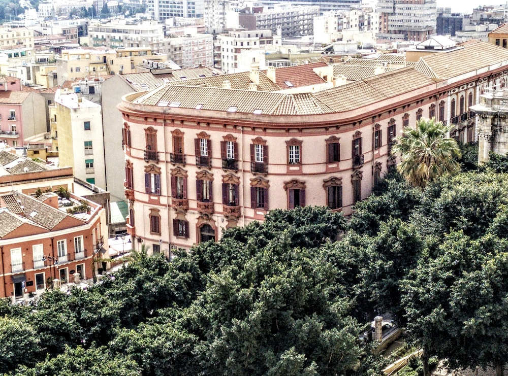 Al Bastione di Cagliari, Featured Image
